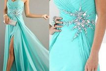 Dresses / by Nicole Hynek