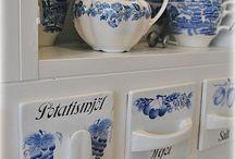 Sinivalkoiset astiat