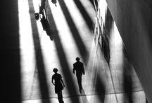 From the shadow / Clair obscur et lumières travaillées pour le meilleur des ombres. Lumière du jour. Ombres chinoises.