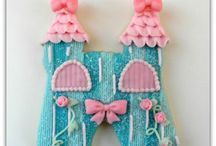 Алисе 3 года / пряники для дня рождения