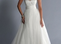 Lo-Ve-La Wedding Gown