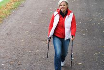 Nordic Pole Walking / Nordic Pole Walking has been shown to be much more effective than a regular walk for increased health benefits. It incorporates 90% of all body muscles.