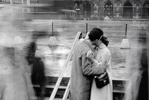 Look around! / Robert Doisneau, Elliot Erwit, ecc..