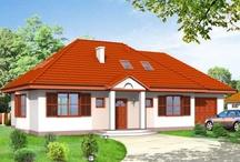 Projekty domów z wielospadowym dachem / Znajdują się tutaj domy zarówno z dachami wielospadowymi , jak i kopertowymi  - czyli bez kalenicy . W kategorii umieściliśmy projekt domów parterowych , z poddaszem , oraz piętrowych – wszystkie z wielospadowym dachem .  Zaletą domu z wielospadowym dachem jest przede wszystkim to , że taki dom jest często po prostu ładniejszy i ciekawszy , od krytego dwuspadowym dachem . / by MG Projekt | Projekty Domów