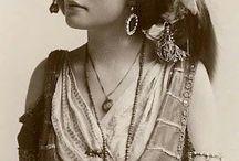 G.Y.P.S.Y. G.I.R.L. / Gorgeous gypsy, bohemian looks