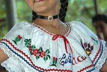 Kostarika / Central America   -      Costa Rica  - Costa Rican - white (including mestizo) 94%, black 3%, Amerindian 1%, Chinese 1%, other 1%
