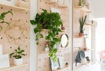 Peg board ideas and inspiration / Ideas and inspiration for the perfect peg board.