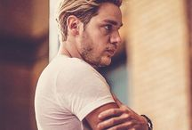 Dominic sherwood❤❤