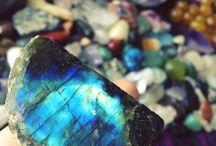 Stones and such / by Elizabeth Wentz Elijah Bender-Webb