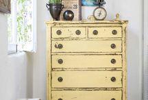 Dresser / by Stephanie Masters-Wood