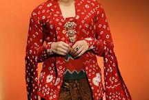 Kebaya, batik, tenun