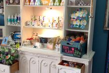 Great Retail Merchandising / Bow Wow Beauty Shoppe  4219 Park Blvd., San Diego, CA 92103