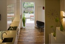 Canonbury Maisonette / A project to convert an old shop onto a modern apartment with urban garden by Unit One Architects.