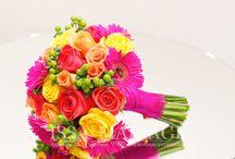 Buchet mireasadin trandafiri glabeni si trandafiri rosii / buchet mireasa si nasa din trandafiri glabeni si trandafiri rosii