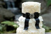 Wedding Cakes / Cupcakes / All things fabulous about wedding cakes  / by Carol Amos