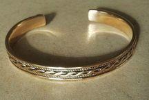 Vikinge Armringe til håndled eller underarm i Sølv og Bronze / Langt de fleste af vores forskellige armringe til håndled eller underarm i Sølv og i Bronze, er kopi fra fund.