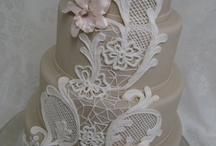 Delectable Wedding Cakes / not only do they look amazing, i'm sure they taste just as great!  / by The Paper Vow