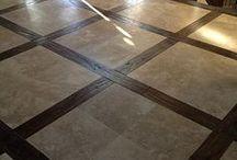 podłoga w holu