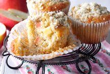 Cake, cupcakes and sweet treats