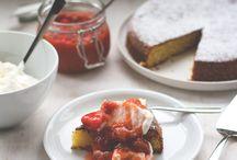 Erdbeeren | Strawberries / Die besten Rezepte mit Erdbeeren, mein Lieblingsobst im Sommer! Kuchen, Desserts, Marmelade und Eis oder auch in herzhaften Gerichten oder im Salat. Süße rote Erdbeeren spielen auf dieser Pinnwand die Hauptrolle!