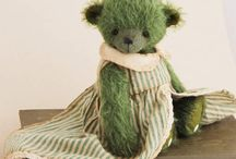 Teddy bears by Irina Arkhipova