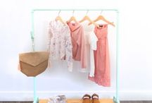 STURDY MINI KIDS CLOTHES RACK