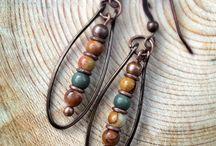 Joyas: earrings with beads