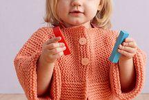 dětské svetříky, šaty atd