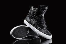 just sneakers... / by Beatriz Carosini