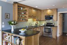 Comfortable Transitional Kitchen / Kitchen remodel
