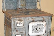 Vintage wood stoves and heaters / by Rosetta Bennett