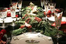 Nastrojowe Boże Narodzenie / Jak wytworzyć tę niepowtarzalną atmosferę świątecznych spotkań przy stole i choince? Zadbać o szczegóły wystroju pomieszczenia, a także zastawę i dobrane ozdoby na świątecznym stole