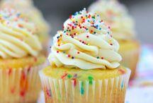 Dessert ~ More Cupcakes / by Theresa Burnetti Capretta