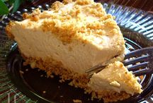 Cheesecake/Pie / by Shelley Schlichting