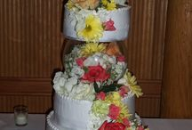 Wedding Cakes / The Toledo Zoo is home to an award-winning bakery -- we'll create a cake that is perfect for your special day.
