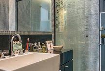 Banheiro | Bathroom / Projetos lindos de banheiros, com revestimentos, metais e louças