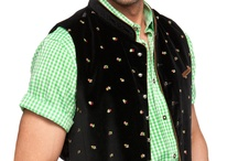 Trachten Westen Herren / Die Trachtenweste bildet einen klassischen Bestandteil der Trachtenmode. Sowohl traditionelle als auch moderne Farben sind vertreten und in Kombination mit Lederhose und kariertem Karohemd sorgen die Westen für ein rundum gelungenes Outfit.