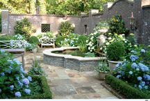 GARDENS & COURTYARDS