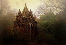 HOUSES TO SWOON OVER / by Dawn McLeod Ansari