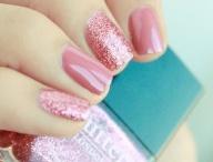 Nails  / by Elizza Dizon
