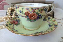 Florence Forever Finds / Vintage china and cake stands from the Highlands of Scotland.  www.etsy.com/shop/florenceforeverfinds