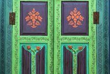 Ovet & portaat, Doors & stairs