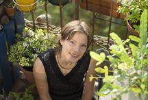 Mélanie - Vert Citron / « Je partage l'idée que le jardin au naturel est bien plus qu'un jardin. C'est un vrai projet de vie qui recouvre aussi bien l'alimentation que le cadre de vie, l'économie solidaire ou la santé. Et où chacun a sa place et son utilité. J'en ai fait ma ligne de conduite quotidienne.» A retrouver sur www.vert-citron.fr