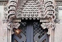 Portas belas e imponentes...