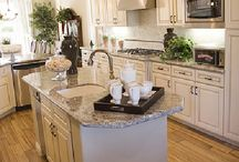 KITCHEN INSPERATIONS / PRETTY KITCHENS / by MARY ALLISON