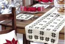Table Decorations for Christmas / Find inspiration for knitting patterns to decorate your table over the Christmas holidays.