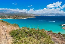 Entdecke Kreta! / Kreta ist eine Welt für sich. Griechenlands größte Insel ragt wie ein Hochgebirge mit fast 2500 m hohen Gipfeln aus dem Meer. Hier findet fast jeder, was er sucht: lange Sandstrände und einsame Buchten, nächtliches Highlife und die Stille wilder Schluchten ebenso wie viele Möglichkeiten zum Biken, Golfen, Surfen oder Tauchen.