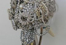 Brooch Bouquet. Happening!!!! / by Paige Gapinski