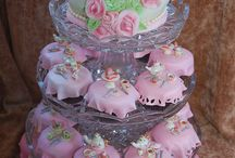 Cupcakin  / by Ashley Ingersoll