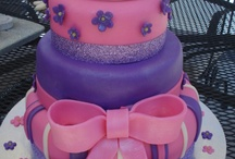 little girl cakes / by Jolanda Bigger